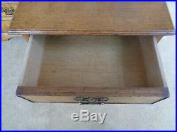 A Fine Quality Pair Of Oak Bedside Chests 2 Tables Antique Style