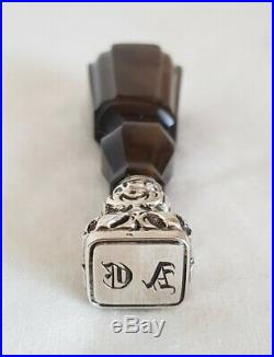 Antique Sealing Wax Stamp. The handle finely hand carved from banded agate