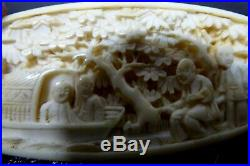 Antique Victorian Tatting Shuttle Sewing Fine Japanese Carved Netsuke Figures