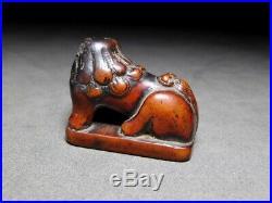 FINE Foo dog Boxwood Carving NETSUKE 18-19C Japanese Edo Original INRO Antique