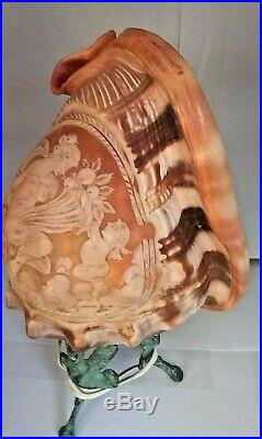 Fine Antique Victorian Italian Carved Cameo Conch Shell Lamp on Stand