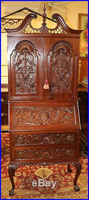 Fine Diminutive Philadelphia Mahogany C1910 Secretary Desk W Shell Carvings