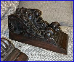 Fine Pair Of Early 17th Century Carved English Oak Lion Corbels c1600