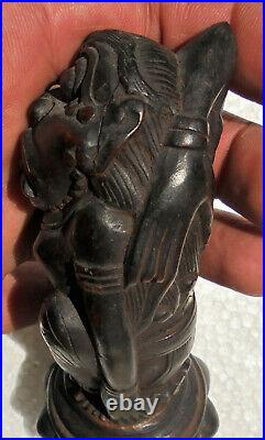 INDONESIA Old and fine Kris (Keris) hilt carved in wood