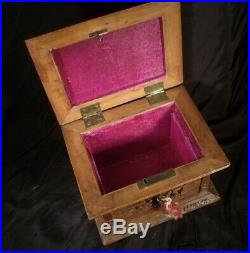 LOVELY c1890 CHINESE FINE CARVED JEWELLERY BOX in SANDALWOOD with its key Canton