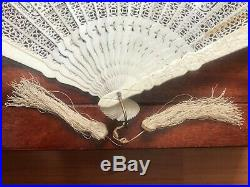 Very Fine Antique Chinese Carved Figural Scenes Brise Fan Canton Qing Dynasty